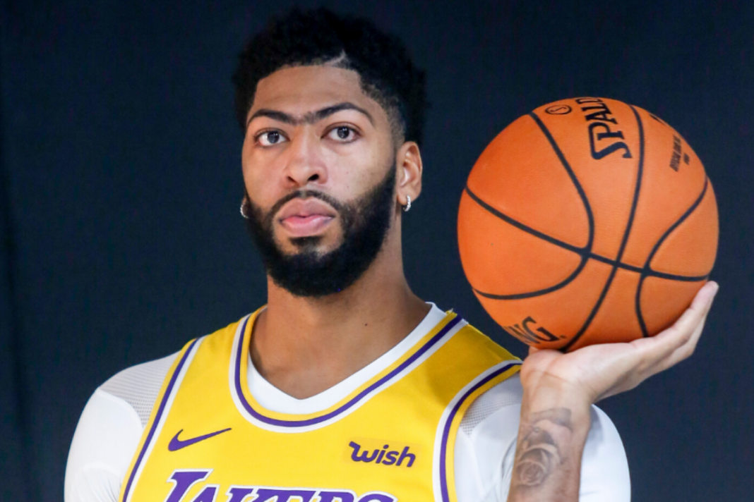 Lakers in worry as Anthony Davis re-aggravates injury