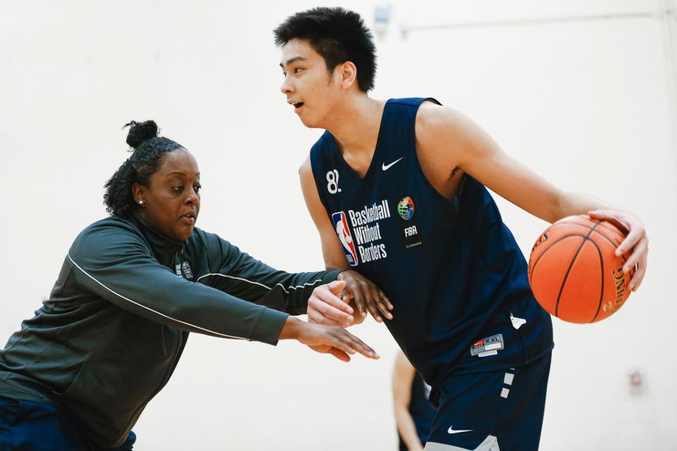 Kai Sotto trains with former NBA superstar Amar'eStoudemire in Miami